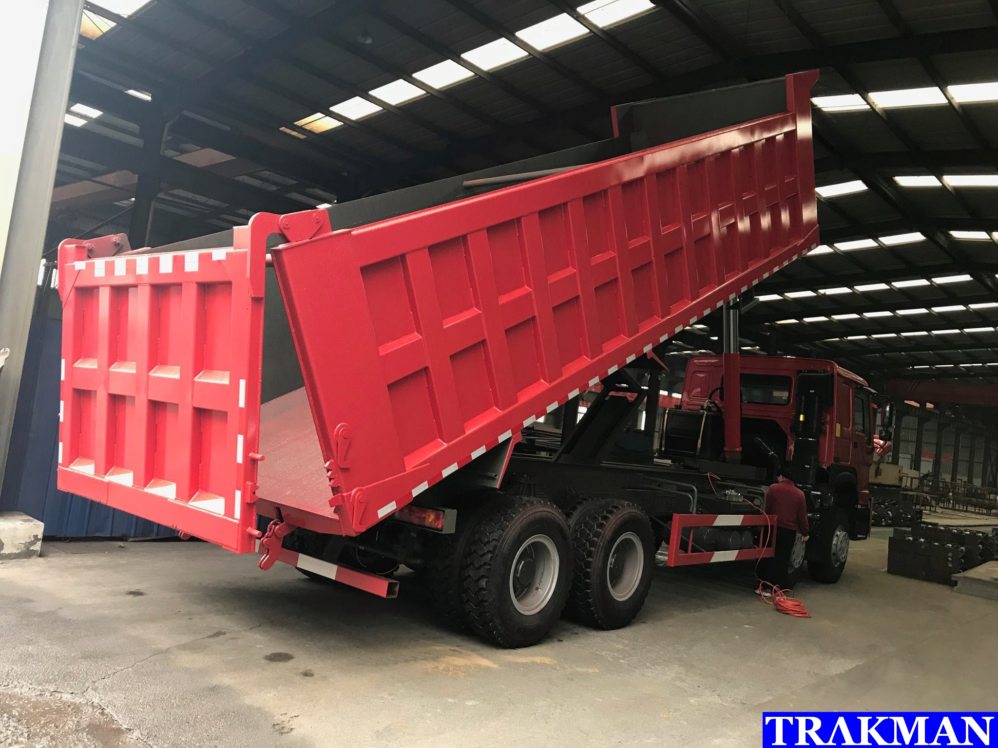 SINOTRUCK HOWO A7 371hp 6x4 10 wheeler Heavy Duty Mining
